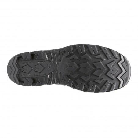 Guminiai batai su apsauga...